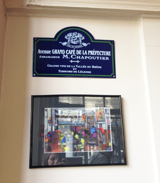 grand-cafe-prefecture-plaque-rue
